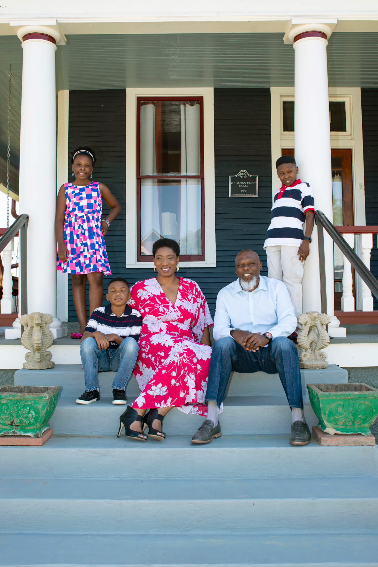 Denise and Cecil Ennett and family image